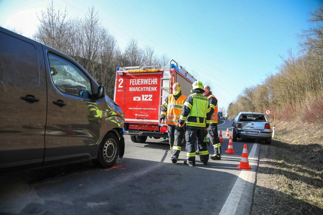 Zwei Verletzte bei Verkehrsunfall in Marchtrenk