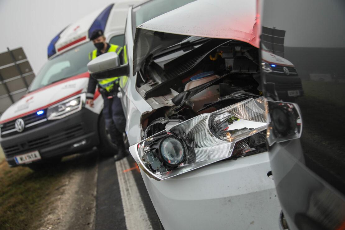 Auffahrunfall auf Wiener Straße bei Marchtrenk fordert zwei Verletzte