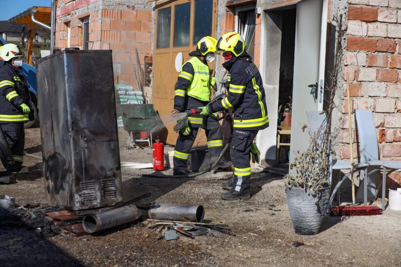 Brand einer Selche bei einem Bauernhof in Gunskirchen