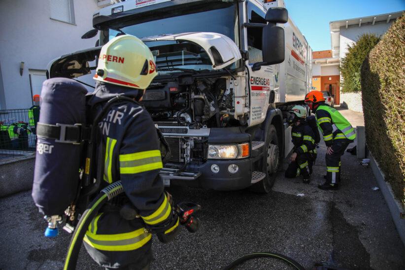 Kleinbrand bei einem Müllwagen in Marchtrenk sorgt für Einsatz der Feuerwehr