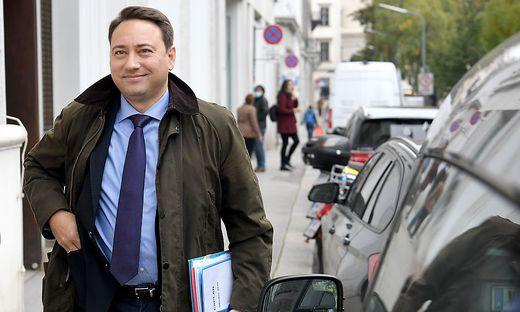 Manfred Haimbuchner (FPÖ) nach schwerer Corona-Erkrankung wieder zu Hause
