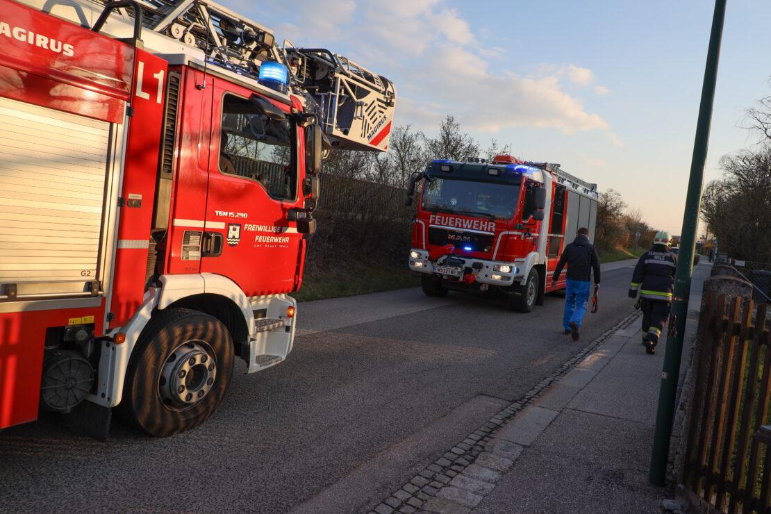 Feuerwehreinsatz nach Gasgeruch in einem Mehrparteienwohnhaus in Wels-Neustadt