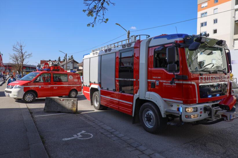Kuchen im Ofen: Feuerwehr zu dringender Türöffnung nach Wels-Neustadt alarmiert
