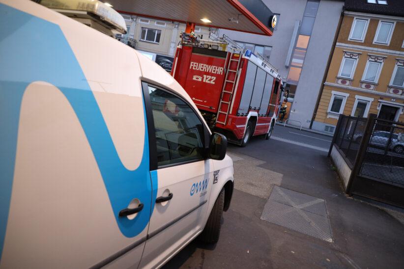 Einsatz durch seltsamen Geruch in einem Wohn- und Geschäftsgebäude in Wels-Neustadt