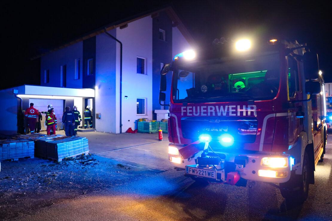 Brand im Keller eines Hauses in Wels-Schafwiesen