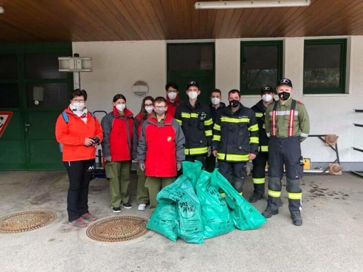 Buchkirchen sammelt 220 Kilogramm Müll