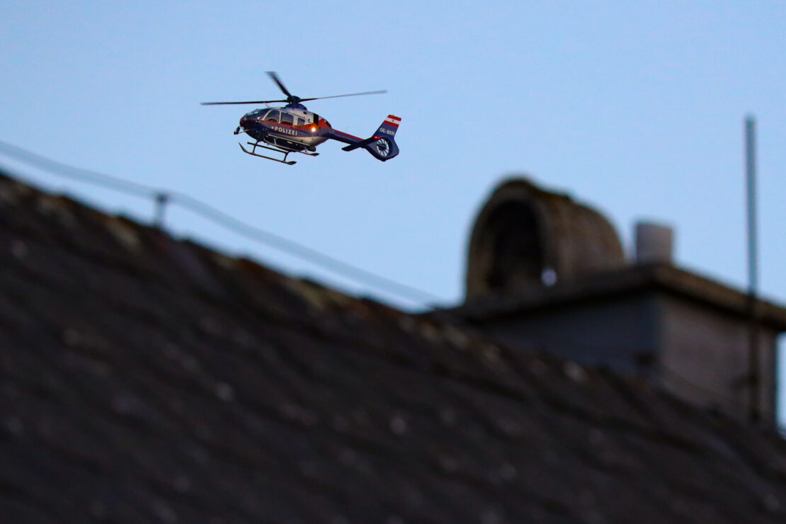 Suchaktion: Größerer Einsatz der Polizei samt Hubschrauber in Stadl-Paura