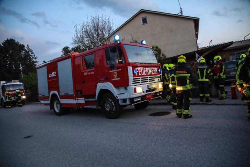 Einsatzkräfte bei Kaminbrand in Gunskirchen im Einsatz