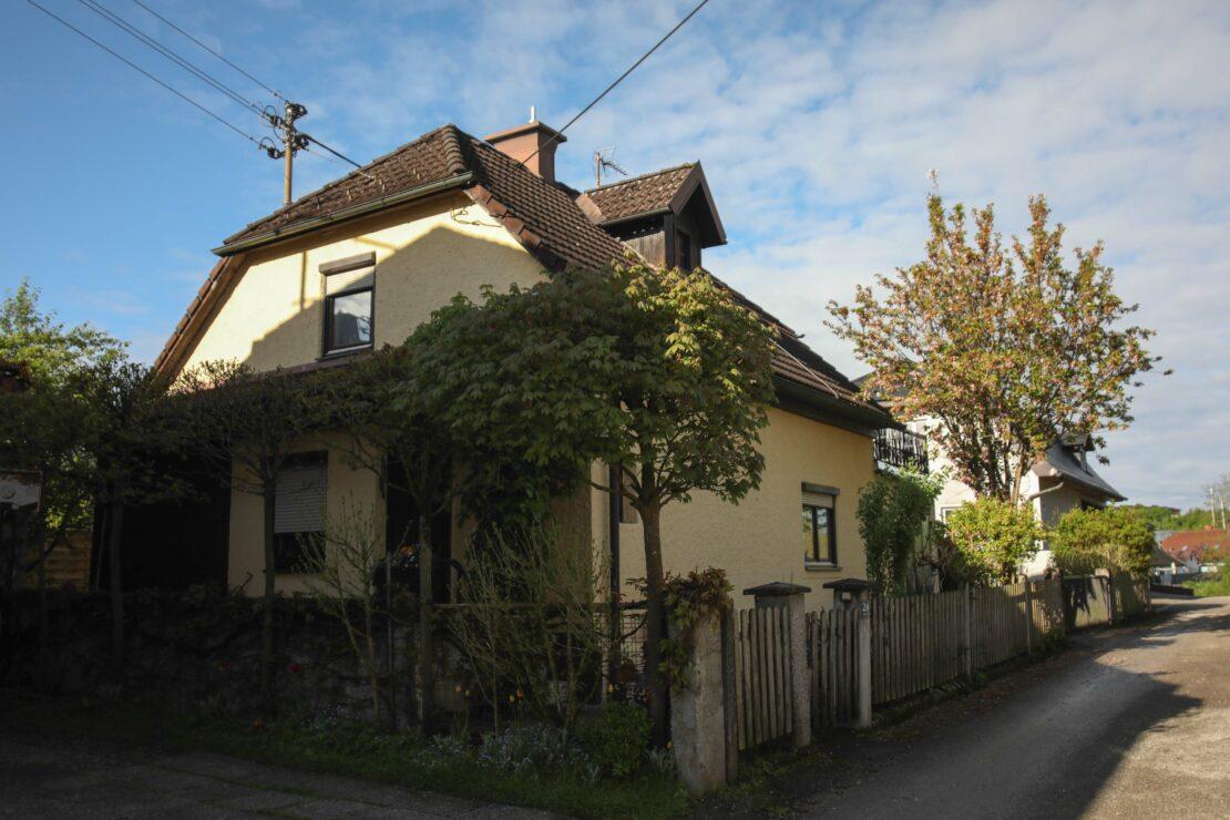 Personenrettung in einem Wohnhaus in Lambach