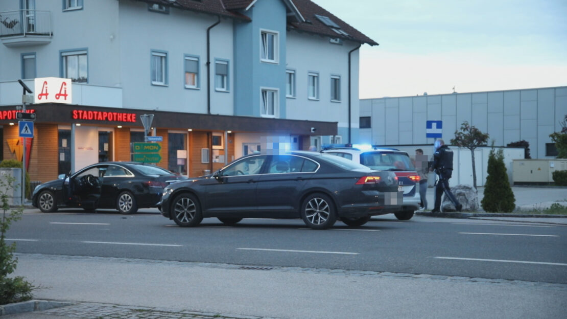 Mann (18) hantierte am Bahnhof in Marchtrenk mit Schreckschusspistole - Großeinsatz der Polizei