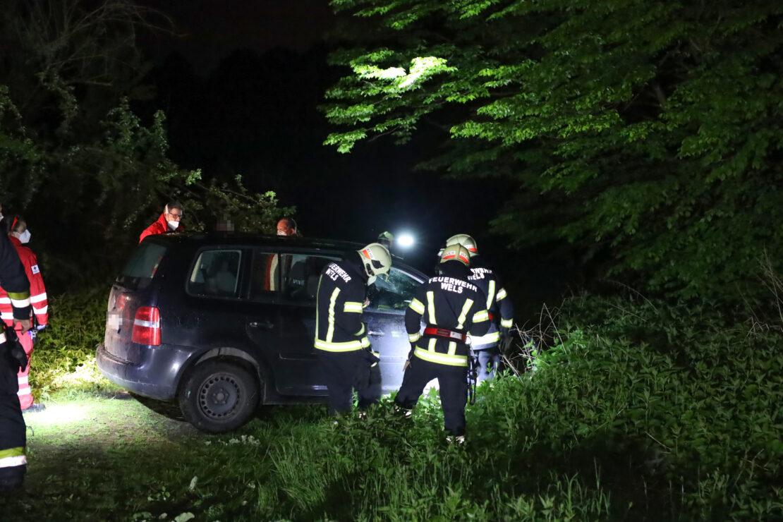 Irrfahrt einer Autolenkerin durch Freizeitanlage in Wels-Vogelweide endete beinahe in Sickerteich