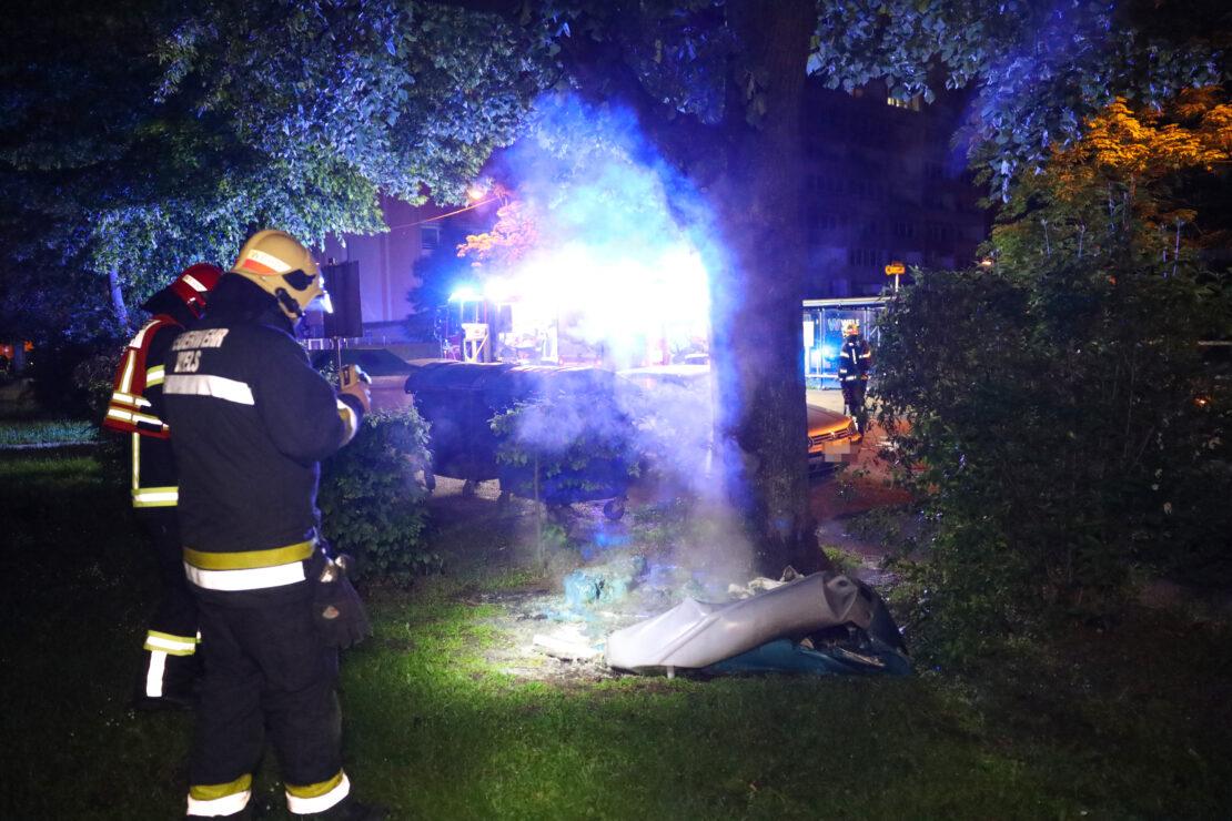 Brand einer mobilen Toilettenkabine in Wels-Neustadt
