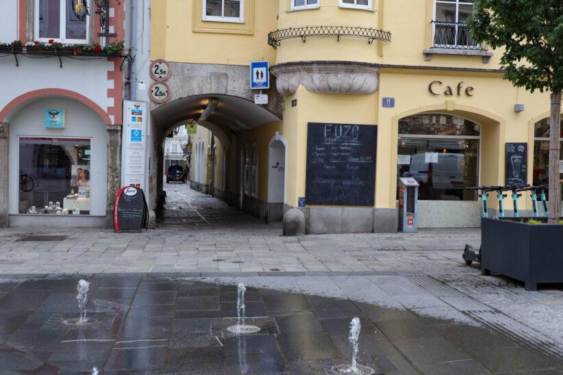 Prügelattacke und Raub in Wels-Innenstadt offenbar von unterschiedlichen Gruppen verübt