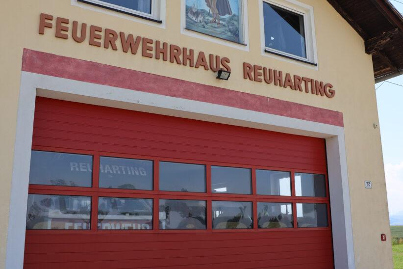 Drei Feuerwehren zu Brand bei landwirtschaftlichen Objekt in Steinerkirchen an der Traun alarmiert