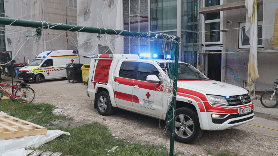 Kind (3) in Wels-Pernau von Balkon gestürzt