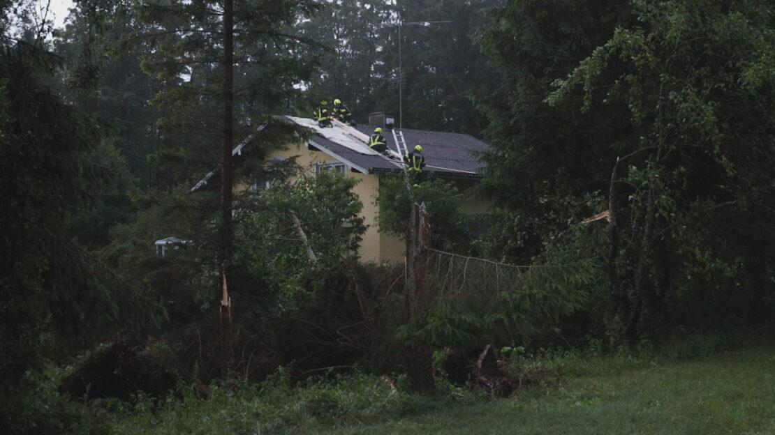 Gewitterfront mit Starkregen und Sturmböen über Oberösterreich sorgt für punktuelle Einsätze