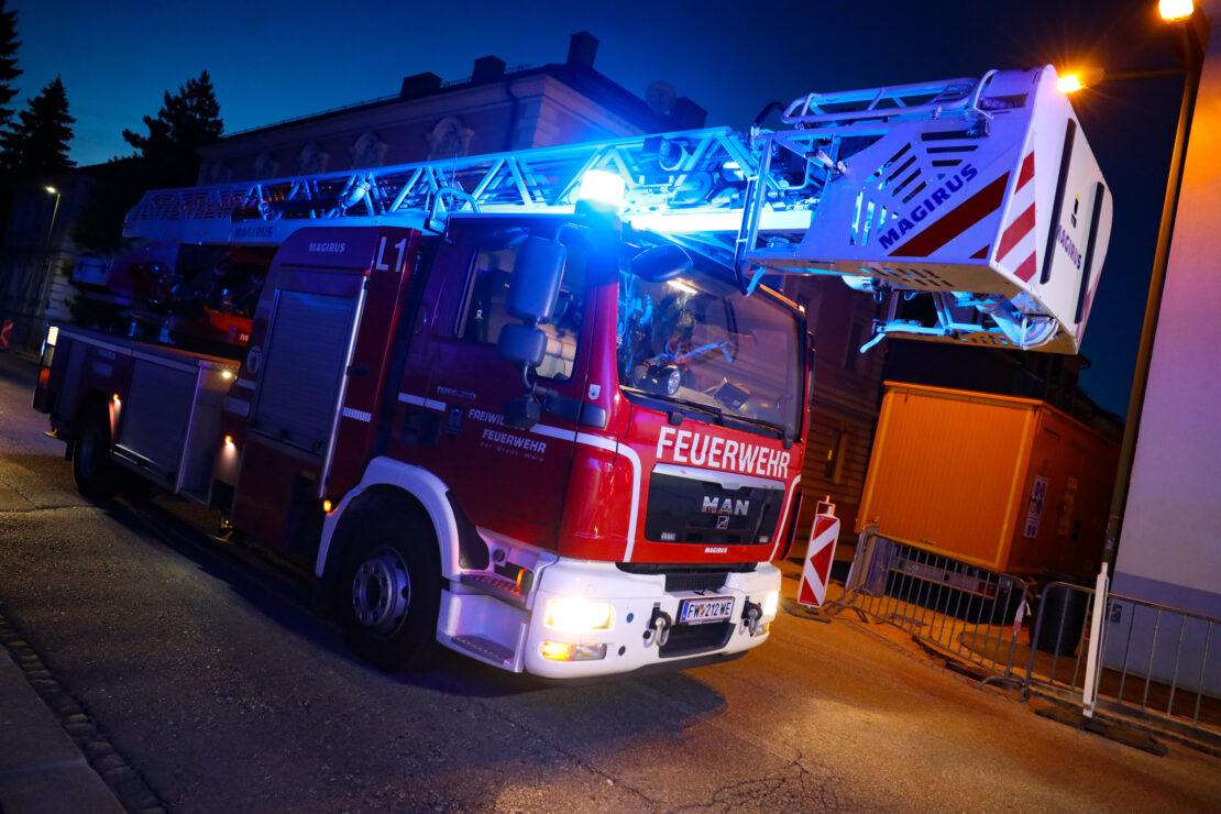 Brand eines Gartenkamins statt Kaminbrand in Wels-Innenstadt