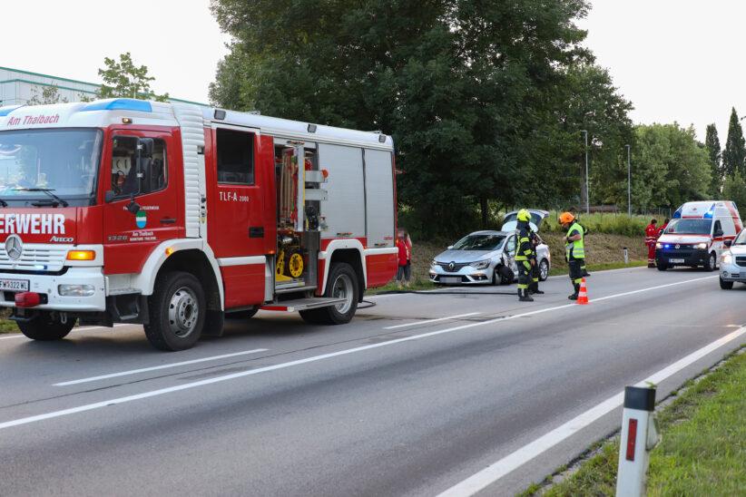 """""""Gscheida Duscha"""": Streifkollision auf Pyhrnpass Straße in Thalheim bei Wels endet glimpflich"""