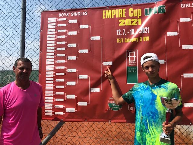 Nächster Turniersieg für Tennistalent Nico Hipfl