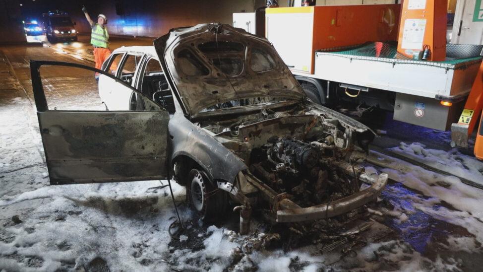 Brand im Tunnel Steinhaus-Taxlberg der Innkreisautobahn bei Steinhaus sorgt für größeren Einsatz