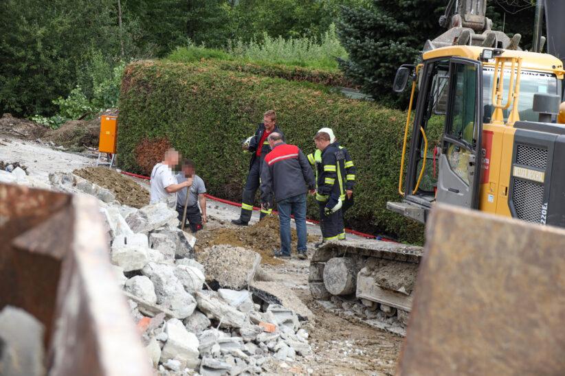 Gasleitung bei Abbrucharbeiten an einem Haus in Krenglbach beschädigt