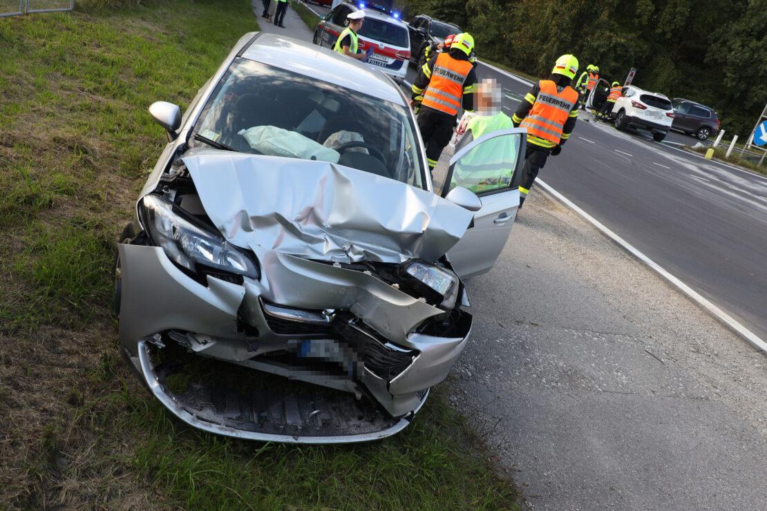 Kreuzungskollision bei der Autobahnanschlussstelle in Weißkirchen an der Traun