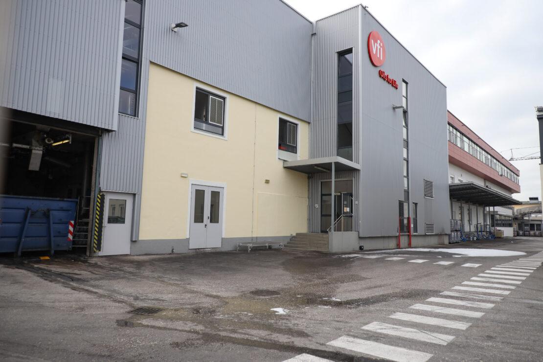 Brand bei einem Produktionsbetrieb in Wels-Vogelweide