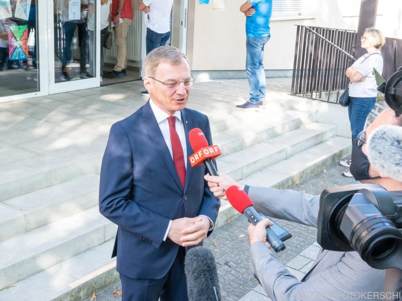 Parteiengespräche für die neue OÖ-Regierung starten