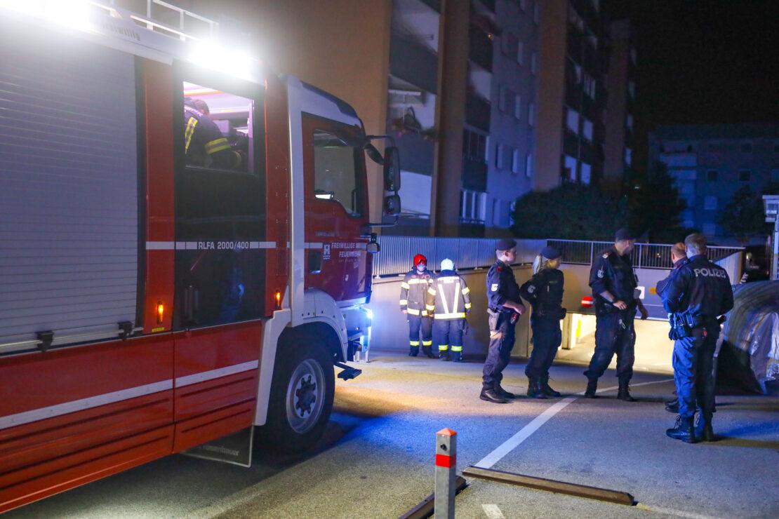 Rasche Entwarnung nach Brandverdacht in Tiefgarage in Wels-Neustadt