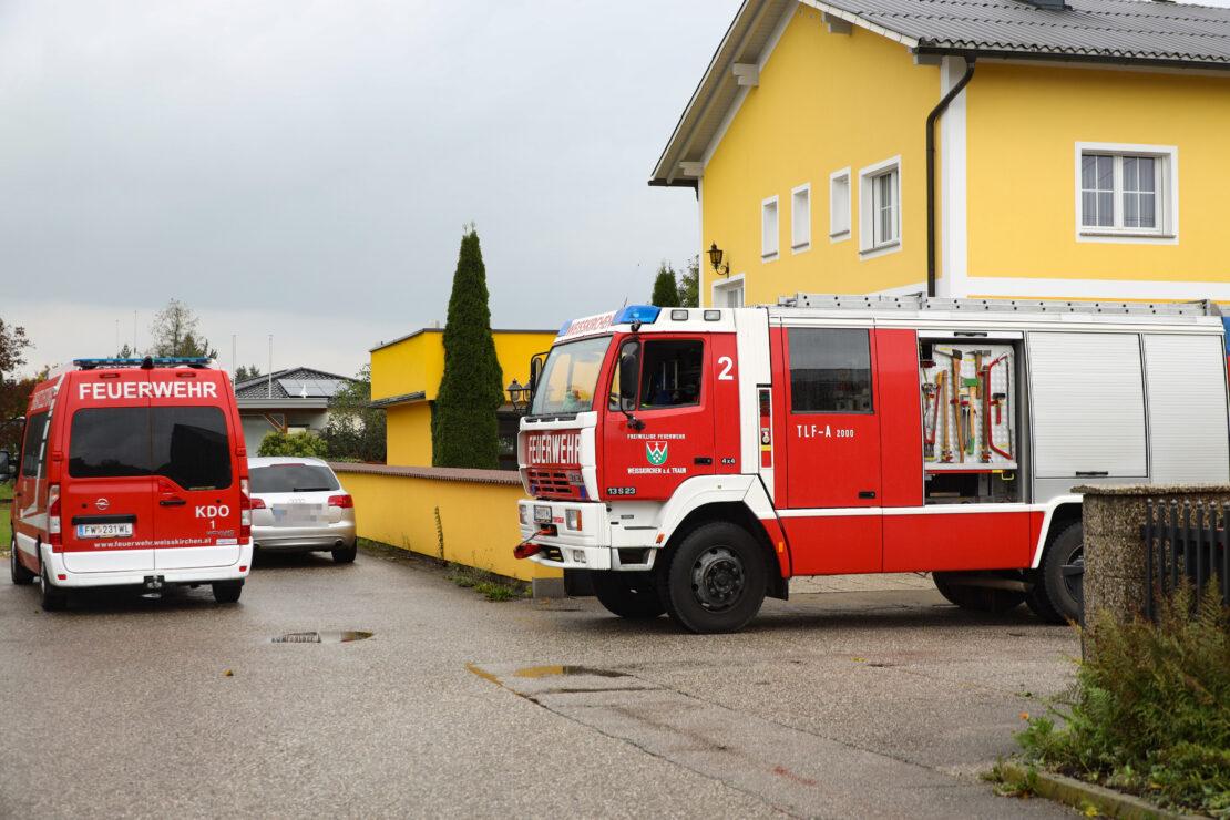 Überflutungseinsatz in Weißkirchen an der Traun stellte sich als Wasserschaden nach Rohrbruch heraus