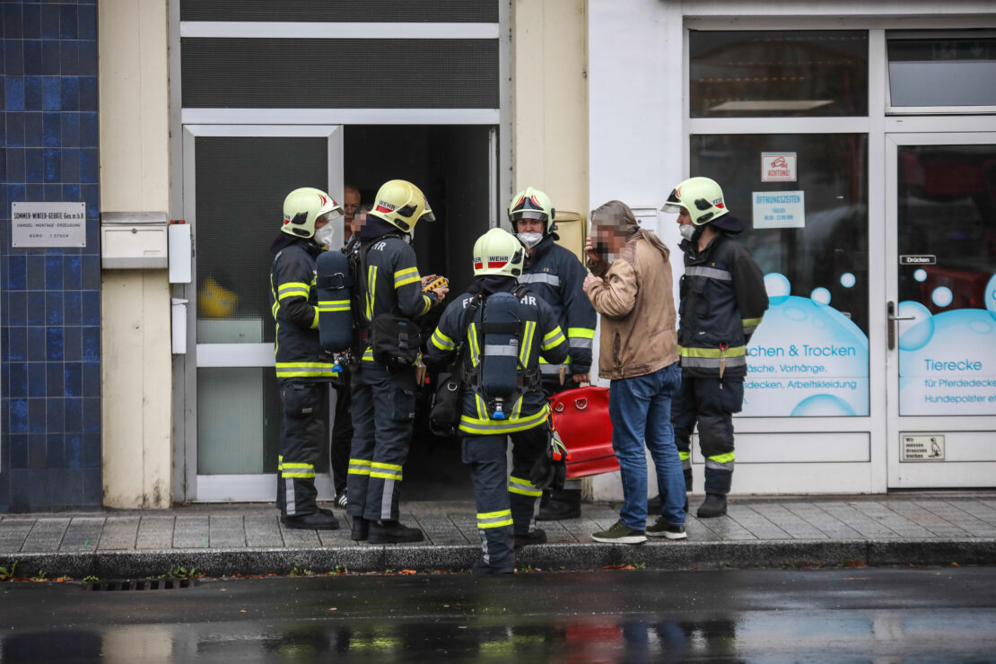 Einsatzkräfte bei gemeldetem Gasgeruch in Wels-Neustadt im Einsatz