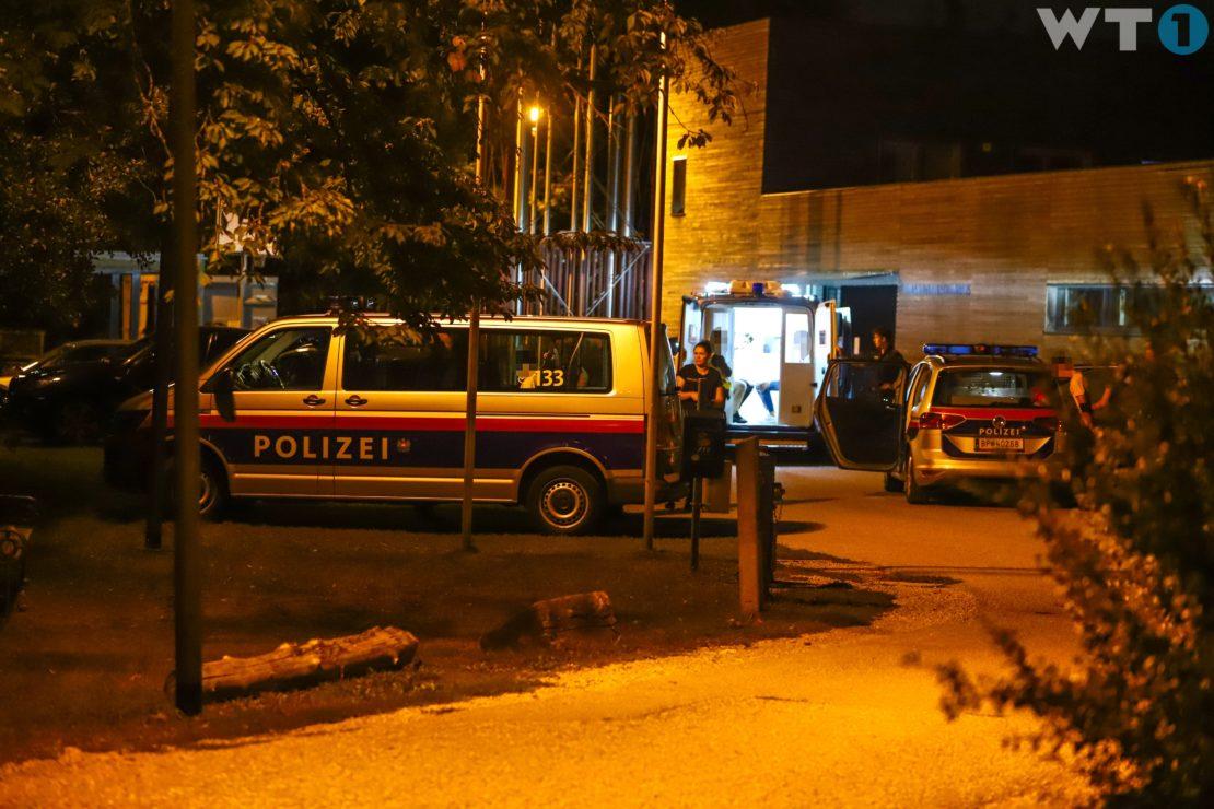 Acht Personen nach Einbruch in ein Flohmarktzelt in Wels-Vogelweide festgenommen