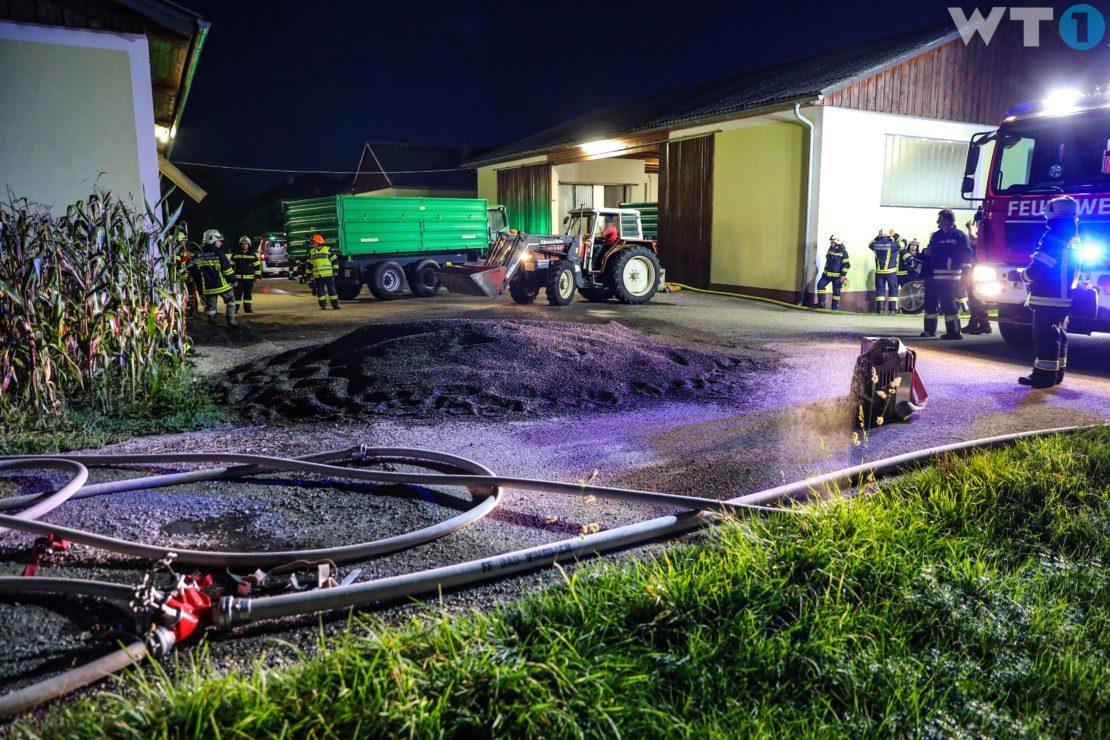 Brand einer Getreidetrocknungsanlage auf Bauernhof in Bad Wimsbach-Neydharting