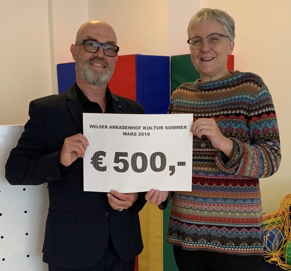 500 Euro für den Welser Kinderschutz
