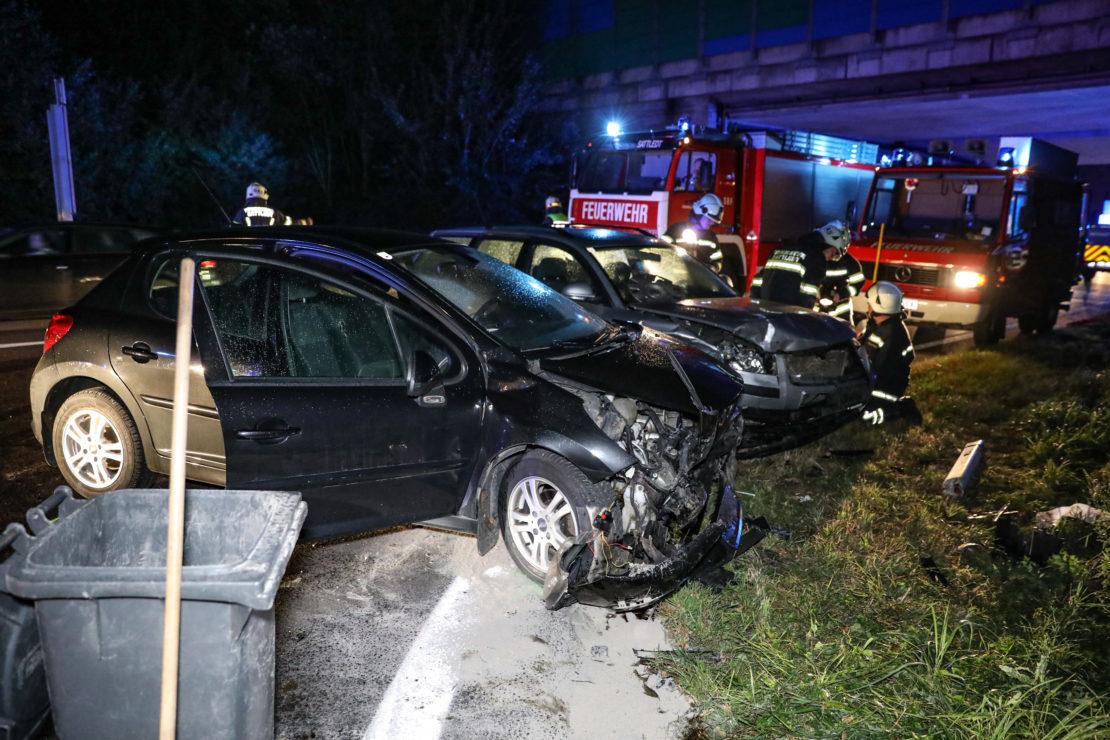 Kollision bei Autobahnauffahrt in Sattledt fordert zwei Leichtverletzte