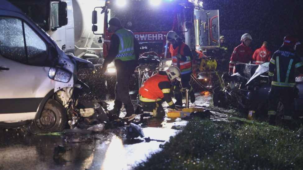 Tödlicher Verkehrsunfall auf Innviertler Straße bei Krenglbach
