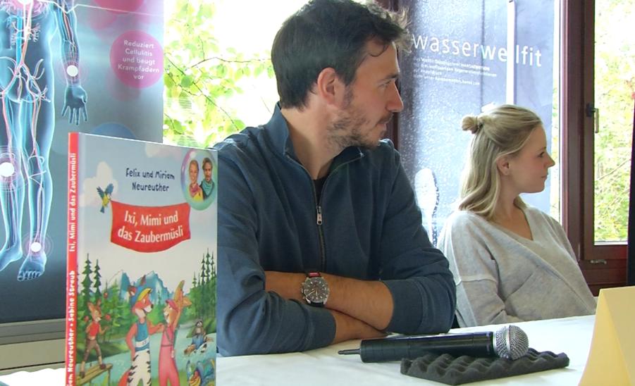Felix Neureuther - Ex-Skistar präsentiert Kinderbuch in Schmiding