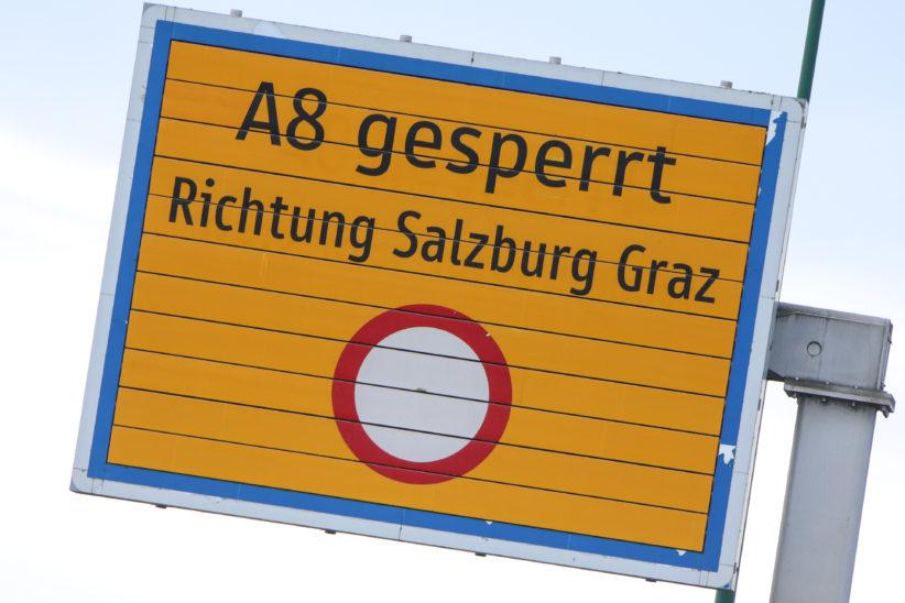 Schwerer LKW-Unfall im Tunnel Noitzmühle auf der Innkreisautobahn