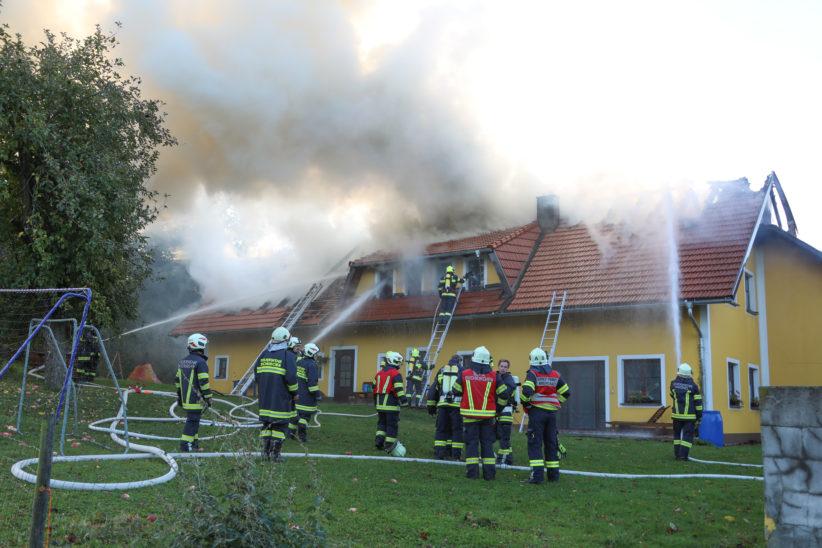 Großbrand auf Bauernhof in Krenglbach
