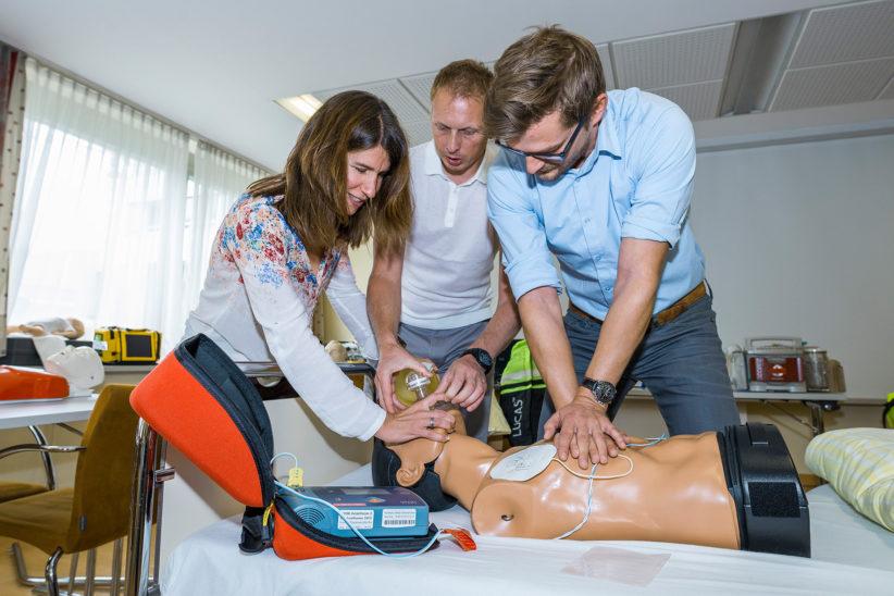 Hand aufs Herz: Reanimieren lernen auf der Gesundheitsmesse LIFE
